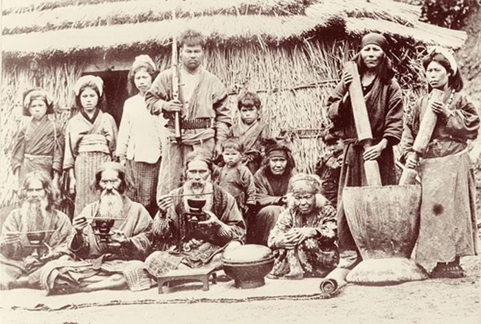 Айну рожали столько детей, сколько могли прокормить.